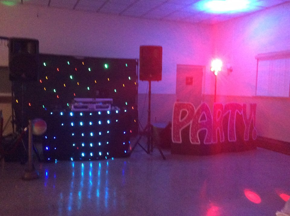 DJ & LED Backdrop & LED Booth