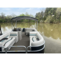 22' Pontoon 8 Person Max Capacity T