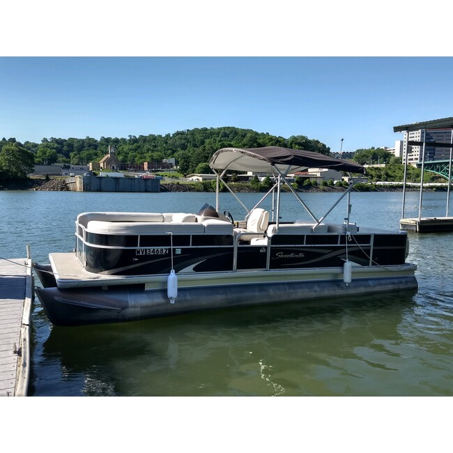 22' Pontoon 8 Person MAX Capacity