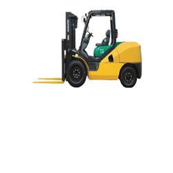 Komatsu FD40 Forklift, 9,000 lb cap