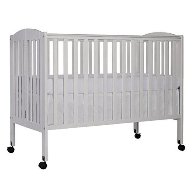 Full Size Crib with Linens (white)