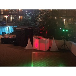 8 hour dj & photo booth